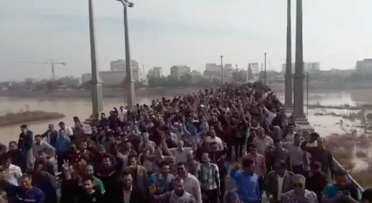 Photo of Steel and Sugarcane Workers Outraged Over Unpaid Wages in Ahwaz